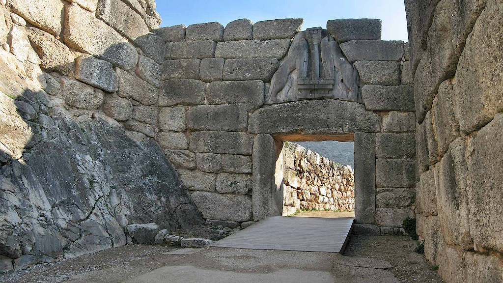 Did the Dorian Invasion cause the destruction of the Mycenaean palaces?